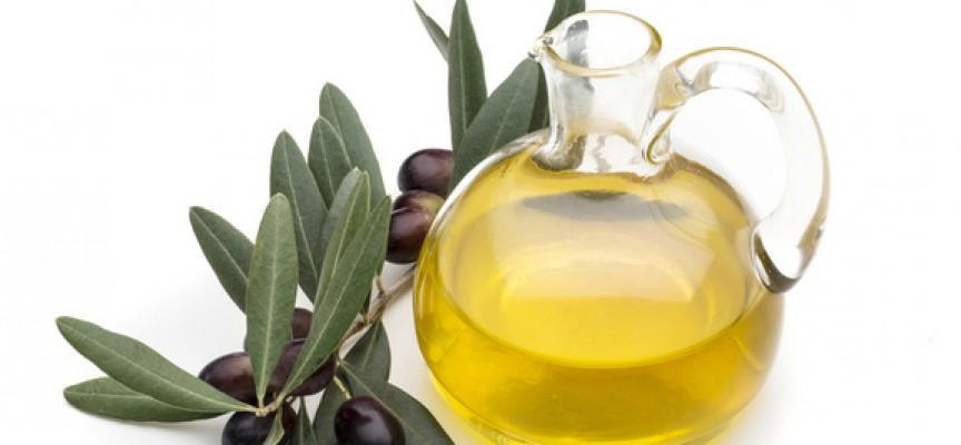 Olio-di-oliva-Rametto-con-olive-864x400_c