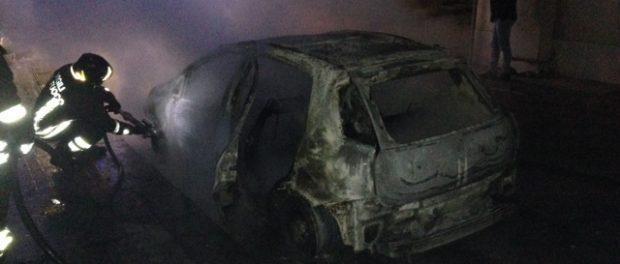 incendio auto solarino siracusa times