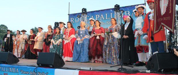 Il Corteo Barocco a Roccapalumba sul palco