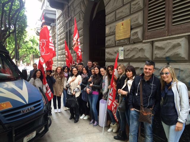 protesta lavoratori filcams siracusa times