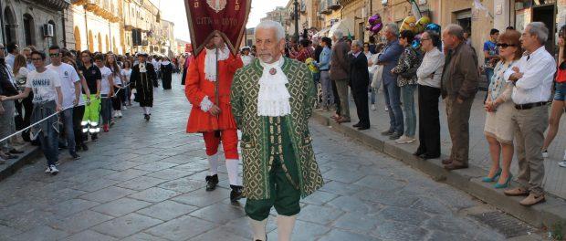 il corteo barocco di noto a Mazzarino siracusa times