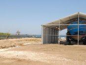 Il relitto, inabissatosi nell'aprile 2015 al largo delle coste della Libia, recuperato dalla Marina militare nell'ambito dell'operazione Melilli 5 voluta dalla Presidenza del Consiglio, 14 luglio 2016. ANSA/ ALESSANDRO RICUPERO