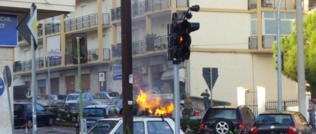 incendio-auto-viale-scala-greca-siracusatimes
