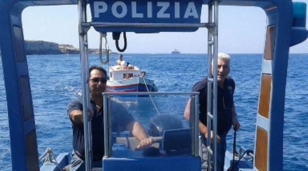 barca salvataggio in mare polizia siracusa times