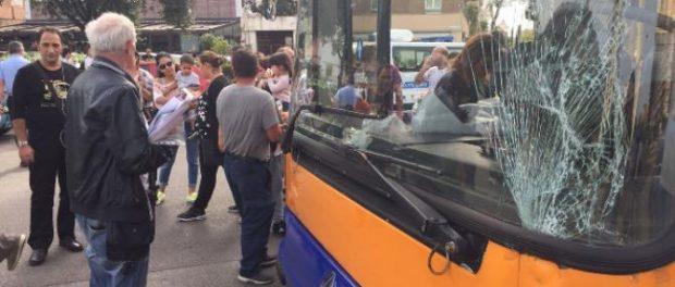 incidente-bus-auto-palermo-siracusatimes
