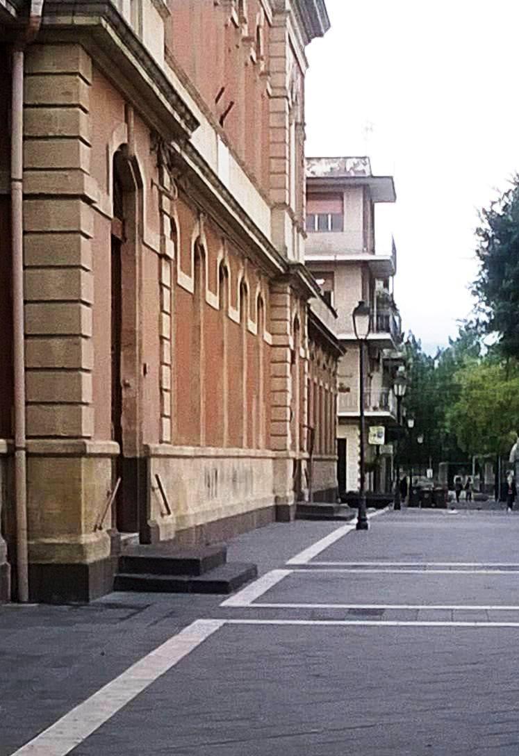 piazza-dante-scuola-francofonte-siracusa-times