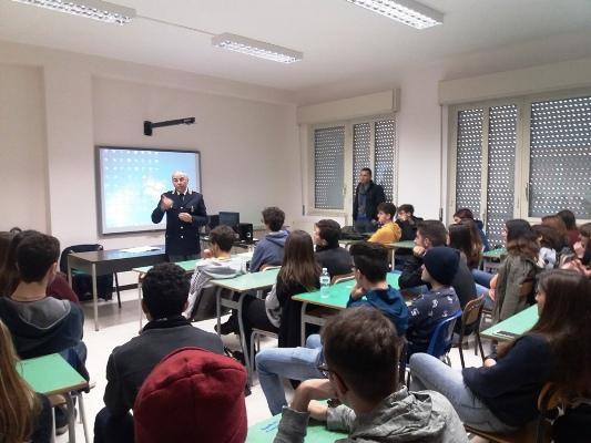 https://www.siracusatimes.it/wp-content/uploads/2018/01/capodicasa-liceo-canicattini.jpg